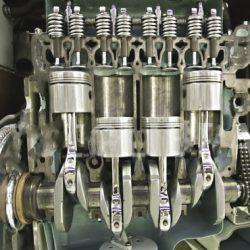 Internal combustion (IC) engine cutaway figure