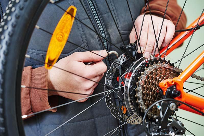 Disc brake maintenance